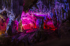 由于中国银色洞穴在桂林市Guangx 免版税库存图片