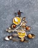 由利器做的抽象圣诞树 库存照片