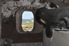 由发射孔的大炮在萨姆特堡 免版税库存照片
