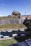 由城堡或老堡垒的城河在科孚岛希腊海岛上的科孚岛镇  库存图片