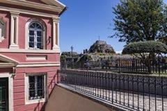 由城堡或老堡垒的小教堂在科孚岛希腊海岛上的科孚岛镇  库存照片