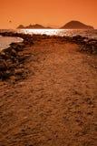 由大岩石做的防堤结构在博德鲁姆,土耳其 库存照片
