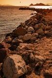 由大岩石做的防堤结构在博德鲁姆,土耳其 免版税库存图片