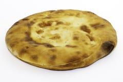 由小麦面粉做的白种人未经发酵的白面包-皮塔饼面包 免版税库存图片