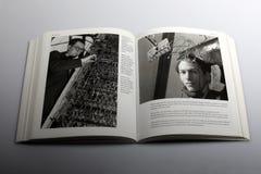 由尼克Yapp,大脑摄影图所著的摄影书在布里斯托尔3月1950年在负担神经学学院, 库存照片