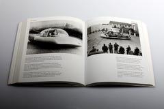 由尼克Yapp,未来的汽车所著的摄影书在年-2000设计了 免版税库存照片