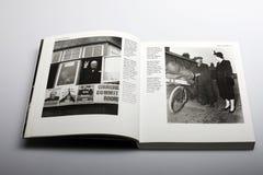由尼克Yupp,温斯顿・丘吉尔和玛格丽特罗伯特最新Thather所著的摄影书 免版税库存照片