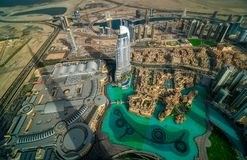 由日落,迪拜,阿联酋的迪拜街市视图 库存图片