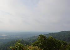 由有雾的北泰国乡下风景盖子在早晨 图库摄影