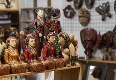 由木纪念品装饰做的木雕象工艺雕刻对象产品 库存照片