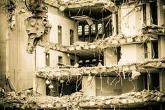 由机械的大厦爆破新建工程的 免版税库存照片