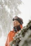 由树的滑雪者 免版税图库摄影