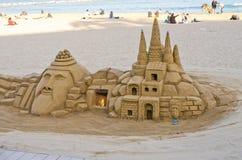 由沙子做的图在Barceloneta海滩 免版税库存图片
