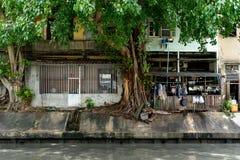 由河的外部厨房在曼谷 免版税库存图片