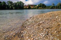 由河的瑞士风景 库存照片