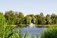 由河的7月早晨 图库摄影