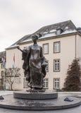 由法国雕刻家吉恩Cardot的纪念碑夏洛特大公夫人 免版税库存图片