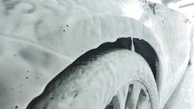 由泡沫的清洁汽车从干净的关心关心服务 影视素材