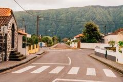 由海洋亚速尔群岛的美丽的空中老镇圣地米格尔海岛的 库存照片