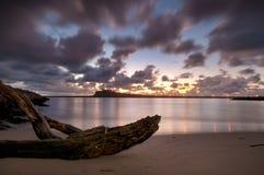 由海湾的日出 免版税库存照片