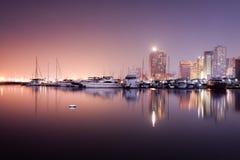 由海湾的日落 库存图片