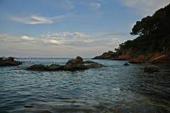 由海的夏天, Llafranc,卡塔龙尼亚,西班牙 库存照片