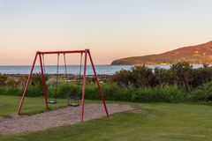 由海的摇摆 圣洁小岛, Lamlash,艾伦,苏格兰 图库摄影