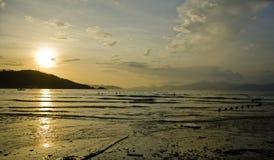 由海的日出在中国 免版税库存照片