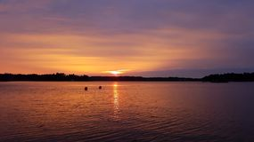 由海的日落 库存照片