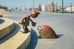 由海的童话雕塑斯海弗宁恩大道的 免版税图库摄影
