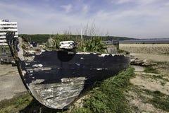 由海的老木渔船 库存图片
