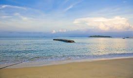 由海的风景有蓝天的在中国 免版税库存图片