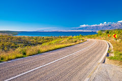 由海的风景路在克罗地亚 免版税库存照片