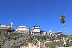 由海边的这些房子是惊人的! 免版税库存照片
