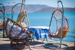 由海,克利特,希腊的小酒馆 库存图片