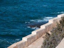 由海洋的接合的边缘。 免版税图库摄影