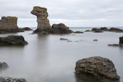 由海洋的海堆在哥得兰岛,瑞典 库存图片