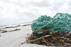 由海洋的绳索 库存图片