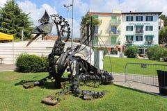 由湖加尔达的Drago艺术品加尔达的,意大利 免版税图库摄影