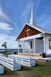 由湖的教会 免版税库存图片