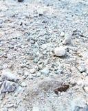 由湖的石渣 库存图片