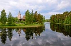 由湖的老教会 库存照片