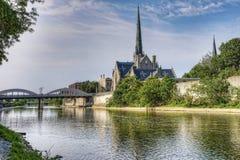 由盛大河的晴朗的早晨在剑桥,加拿大 免版税图库摄影