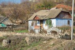 由石头做的老房子 免版税库存图片