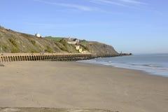 由福克斯通港口的海滩。肯特。英国 库存图片
