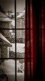 由窗口的冬天 免版税库存照片
