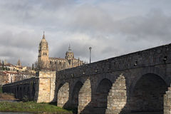 由罗马修筑的石桥梁 库存照片