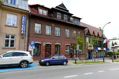 由街道的经济公寓住宅在扎科帕内 免版税库存照片
