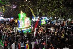 由被回收的瓶做的船,日惹市 免版税库存图片