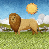 由被回收的纸背景做的狮子 免版税库存图片